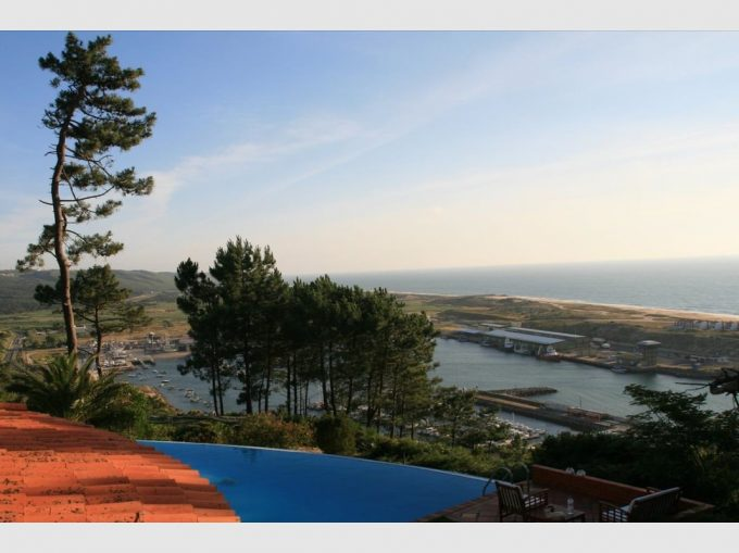 T6 Stunning Villa with Incredible Sea and Marina View - Nazaré